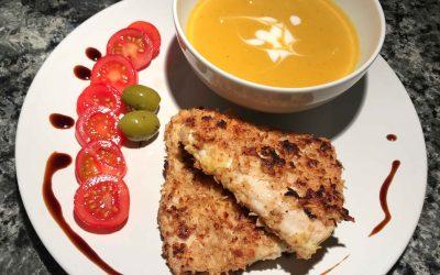 Kürbis-Mango Suppe mit Low Carb Knusperfisch
